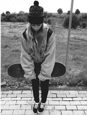 black-and-white-cute-free-girl-Favim.com-850013