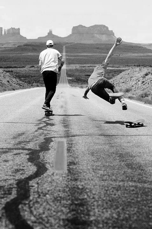 black-and-white-cute-love-skateboard-Favim.com-595569